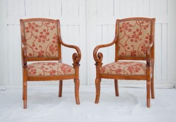 Paire de fauteuils à crosses